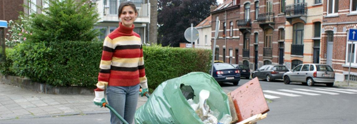 Participer au respect des espaces publics pour les rendre sécurisants et propres.